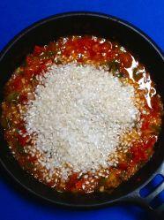 5 añadir arroz