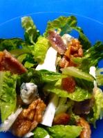ensalada de anchoas, roquefot y nuecess