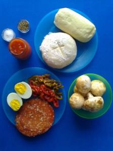 pizza de champiñon, cantimpalo, pimientos y huevo ingr