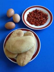 bocadillo de tortilla de chorizo ingr