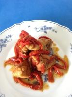 pollo guisado con pimientos