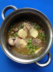 12 añadir patatas y guisantes