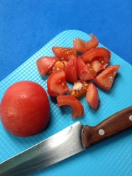 6 pelar y trocear tomate