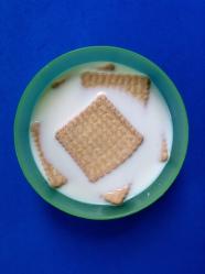 1 poner las galletas en leche
