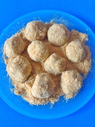 14 pasar los dumplings por pan rallado