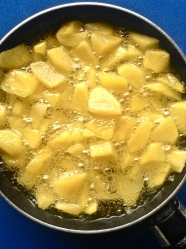 3 freir patatas