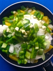 4 añadir cebolla pimiento y ajo