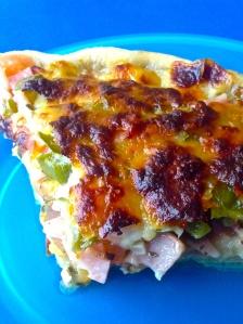 pizza de jamon, pimiento verde, perejil y ajooo