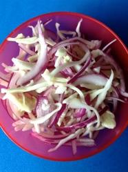 24 ensalada de repollo y paiteña