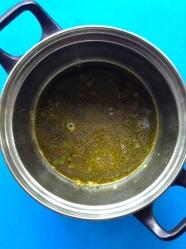 4 añadir caldo porotos y agua