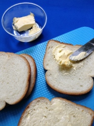 1 untar mantequilla