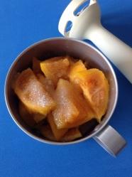4 añadir azucar y agua fria y batir