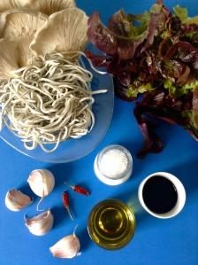 ensalada de setas y gulas ingr