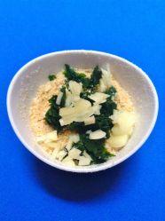3 mezclar pan rallado con ajo y perejil