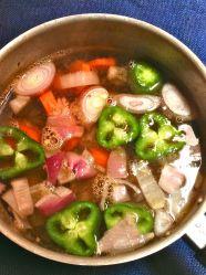 4 añadir agua y verduras