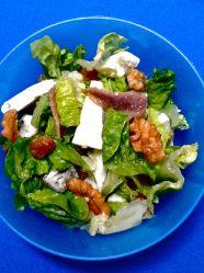 ensalada de anchoas, roquefot y nuecesss