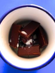 1 derretir chocolate con leche