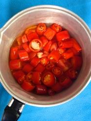 1 cocer guindillas y tomate
