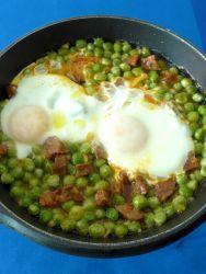 17 guisantes chorizo huevo
