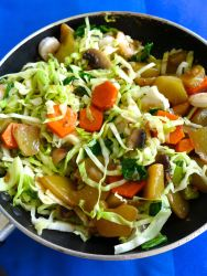 8 añadir sayote y zanahoria