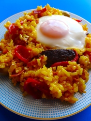 arroz con morcilla y huevooo