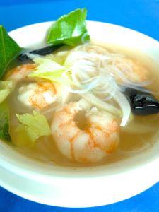 sopa de gambas y fideos de arroz